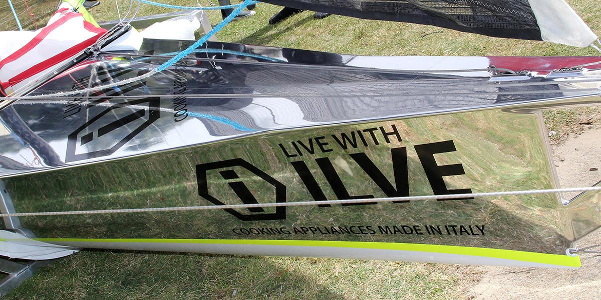 chrome-finish-on-the-new-ilve-18ft-skiff