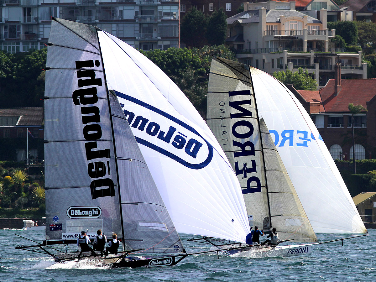 delonghi-and-peroni-downwind-with-their-1-rigs