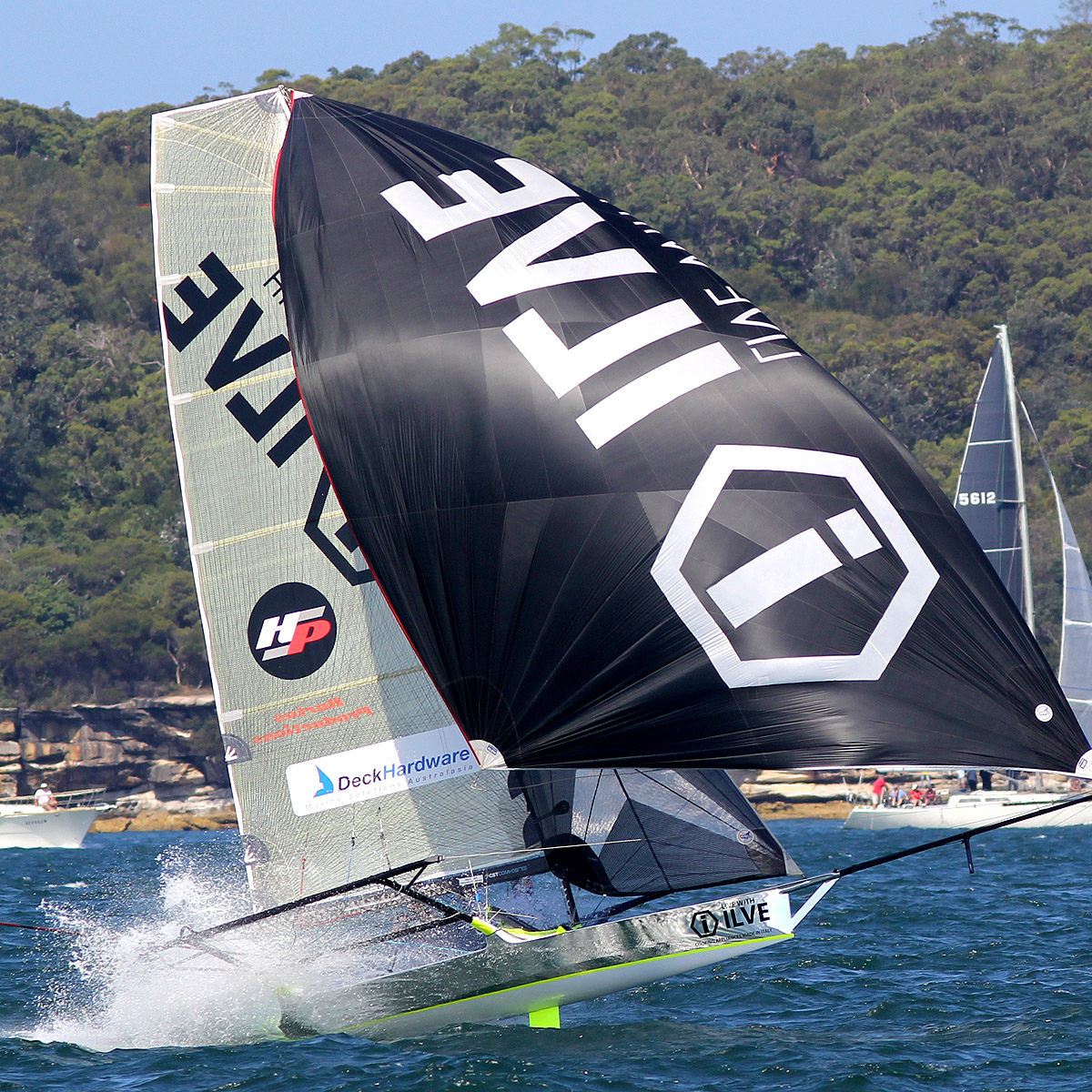 ilve-gained-on-the-spinnaker-run-down-the-middle-of-the-course-on-the-second-lap