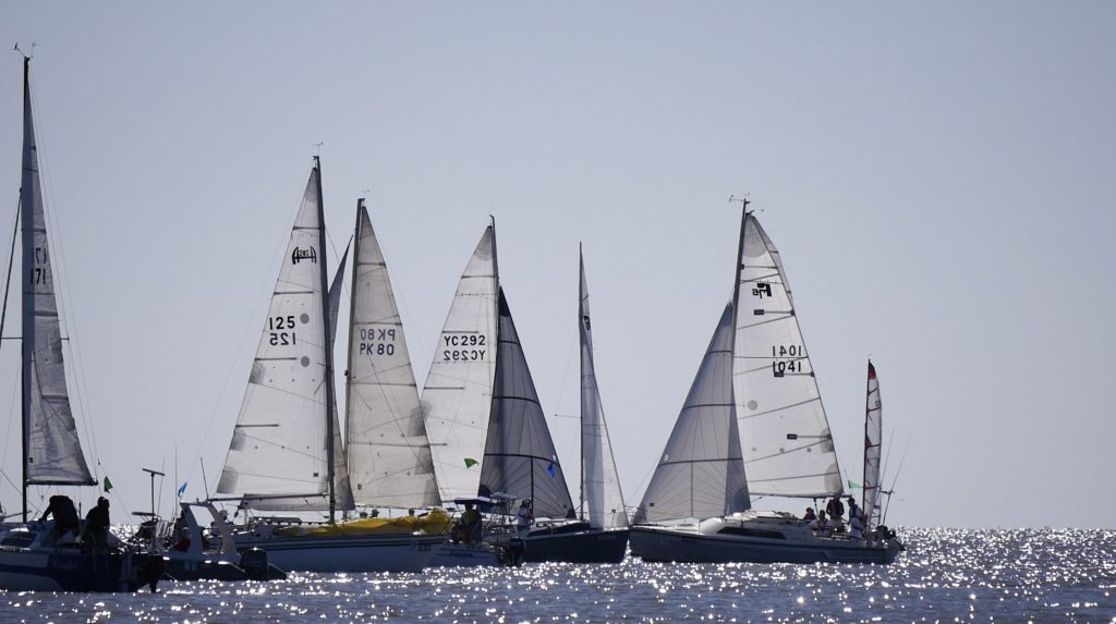 Boats racking up at the start in Milang.